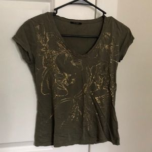 Gold-patterned Tee